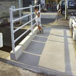 通学用歩道橋